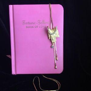 Jewelry - Super Cute Saddle Tassel Necklace